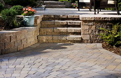 Sidewalk stone: advantages of use and styling features